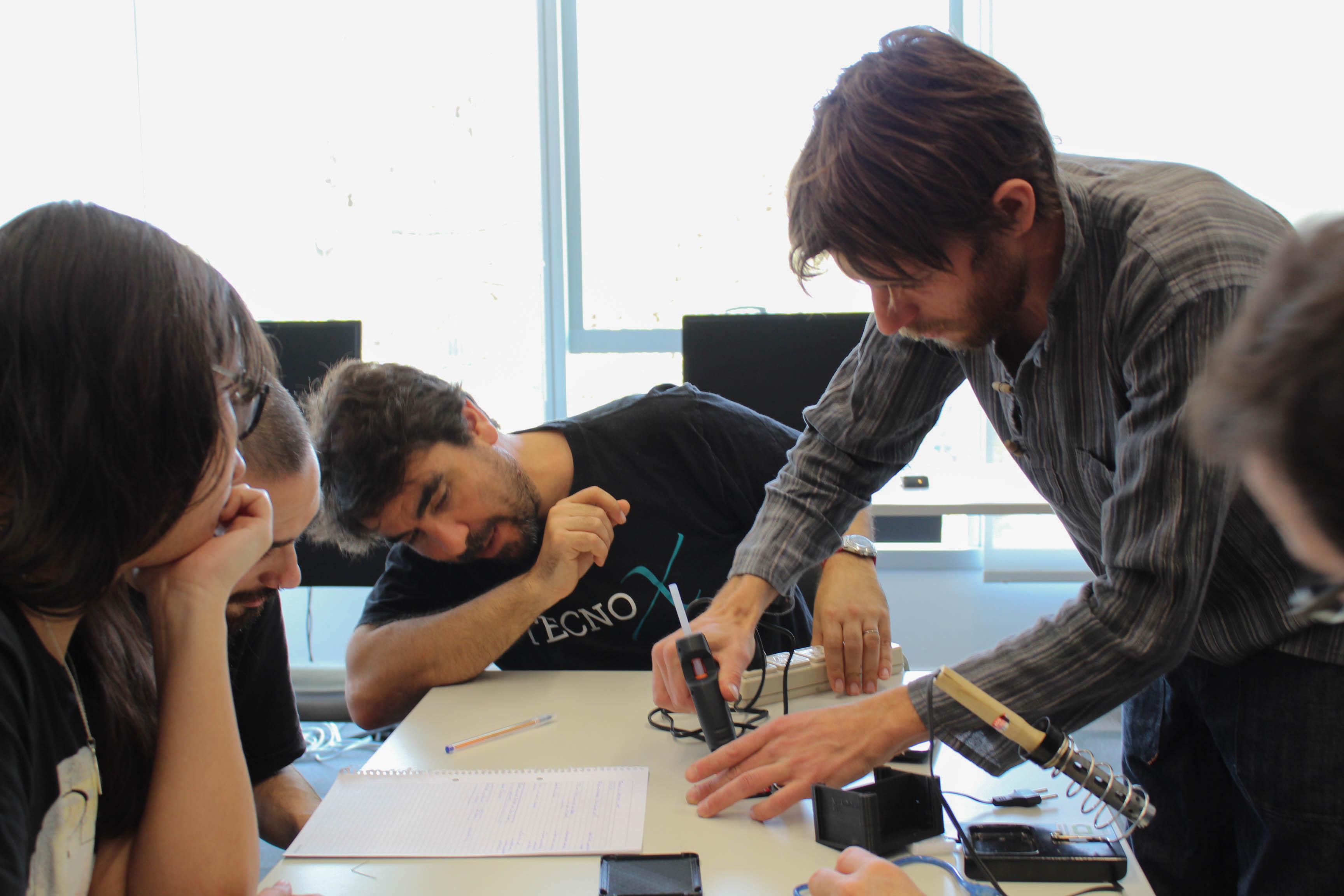 Taller de Open Hardware con Nano Castro